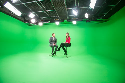 Green Screen - 2 people on stools