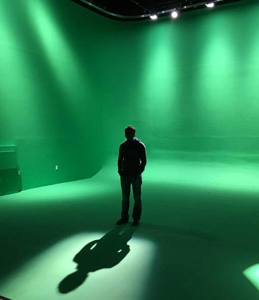 Green-Screen-Studio-in-Astoria - Man and his shadow in front of it