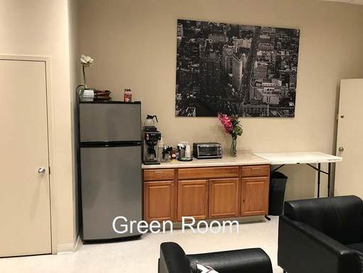 Green Room 2 Chelsea Central . Kitchen Area with Fridge, coffee machine, etc.
