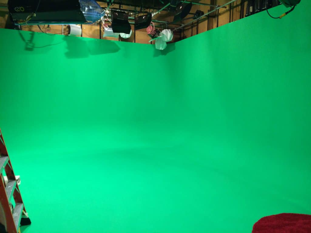 Green Screen 2 walled Cyc Webcasting & Media Tour Stage with full lighting grid