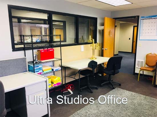 Ultra Office 550 with 4 Separate Desk Stations