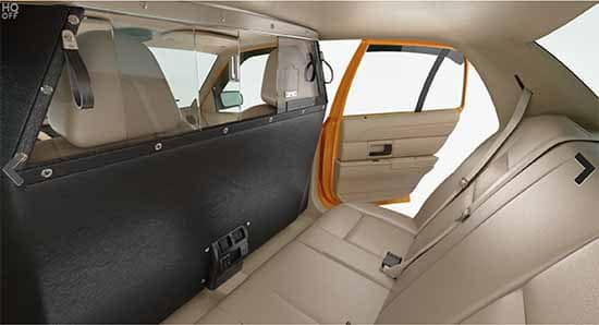 Virtual Sets: 3D/4K Yellow Cab View accross backseat to open door